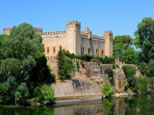 Castillo de Malpica cerca del Complejo Rural Valdepusa